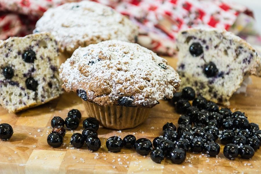 blueberry-crumb-muffin